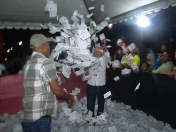 O sorteio ocorreu na presença do grande público