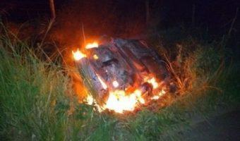Carro e moto explodem após colisão na BR-415 e deixa um morto e dois feridos