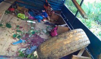 Caminhão com estudantes tomba e jovem de 16 anos morre em Uruçuca