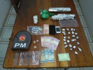 ddd 1 300x225 - Homem de Ubaitaba é preso traficando drogas em Santa Luzia - o tempo jornalismo