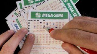 Mega-Sena acumula e novo sorteio pode premiar R$ 60 milhões