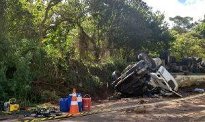 AS 300x178 - Motorista morre após carreta tombar na BR-101 - o tempo jornalismo