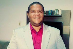 Fabio 2 300x205 - Camacan: Fábio Borges pede que o prefeito informe gastos com os 54 celulares de rede - o tempo jornalismo