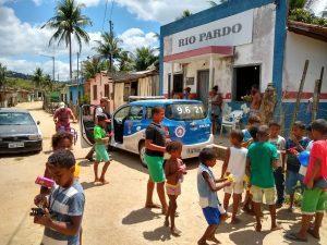 B 4 300x225 - Mascote: PM faz distribuição de brinquedos em comunidades carentes - o tempo jornalismo