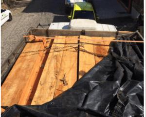 CAR 2 300x240 - Camacan: PM apreende carregamento de madeira ilegal - o tempo jornalismo