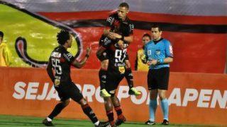 Neilton comemora fim da seca de gols: 'Feliz por poder voltar a marcar'