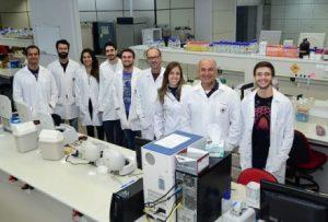 Lab 300x203 - Pesquisa descobre mecanismo usado por fungo causador da vassoura-de-bruxa - o tempo jornalismo