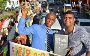 iiiiu 300x187 - Campeões de votos na Bahia são pai e filho; veja perfis - o tempo jornalismo