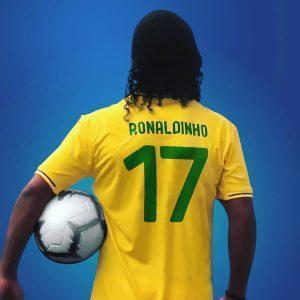ron 300x300 - Barça deve diminuir presença de Ronaldinho em eventos após apoio a Bolsonaro, diz jornal - o tempo jornalismo
