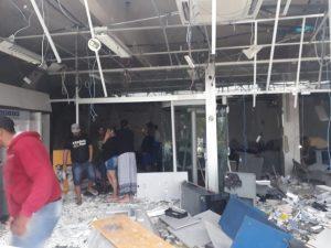 Caisa 300x225 - Castro Alves: Bandidos explodem caixas eletrônicos - o tempo jornalismo