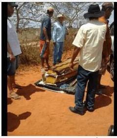 Caxa - Caixão cai em estrada após carro funerário capotar - o tempo jornalismo