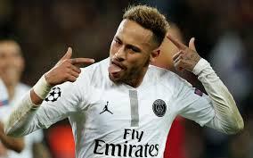 Neymar fora do Top-10 da Bola de Ouro