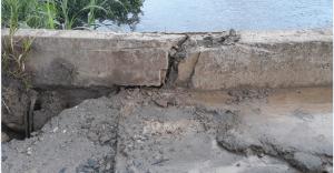 """ponte mache 300x156 - Camacan: Ponte da barragem """"rachada ao meio"""" ameaça desabar - o tempo jornalismo"""