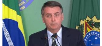 Bolsonaro assina decreto que facilita a posse de armas no Brasil