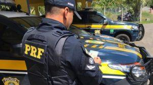 PRF 300x167 - Condutor flagrado com habilitação falsa em Aurelino Leal - o tempo jornalismo
