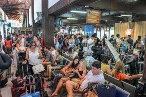 thumbnail IMG 20190121 WA0149 300x200 - Porto Seguro: Sem ar condicionado passageiros sofrem no aeroporto internacional - o tempo jornalismo