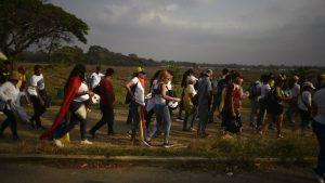 000 1DQ92Q 300x169 - Militares venezuelanos matam 2 indígenas na divisa com Brasil - o tempo jornalismo