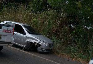 ddd 1 300x206 - Barra do Rocha: Colisão de veículos na BR-330 deixa três feridos - o tempo jornalismo