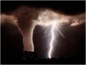 ddd 2 300x225 - Veja como se forma o ciclone tropical, veja vídeo - o tempo jornalismo