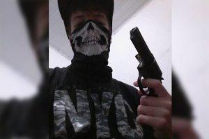 suspeito tiroteio suzano 2 300x200 - Atirador de Suzano postou imagem com máscara e arma antes do crime, vídeo - o tempo jornalismo