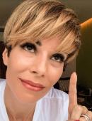 Ana Furtado celebra um ano de cirurgia para retirada de câncer de mama