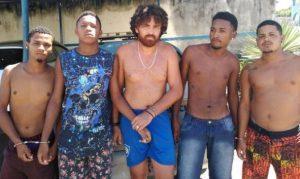 dcd 300x179 - Ilhéus> Bando é preso com armas de grosso calibre em distrito - o tempo jornalismo