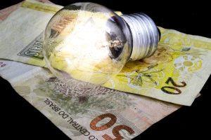 istock 836376426 300x200 - Conta de luz do consumidor baiano aumenta até 6,67% na segunda-feira - o tempo jornalismo