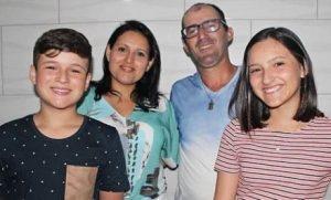 chi 300x181 - Seis brasileiros são encontrados mortos em apartamento no Chile - o tempo jornalismo