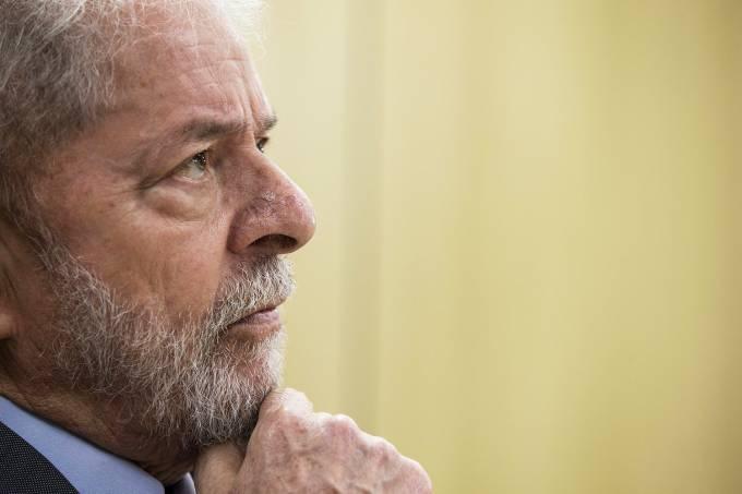 Lula está apaixonado e vai se casar, revela ex-ministro