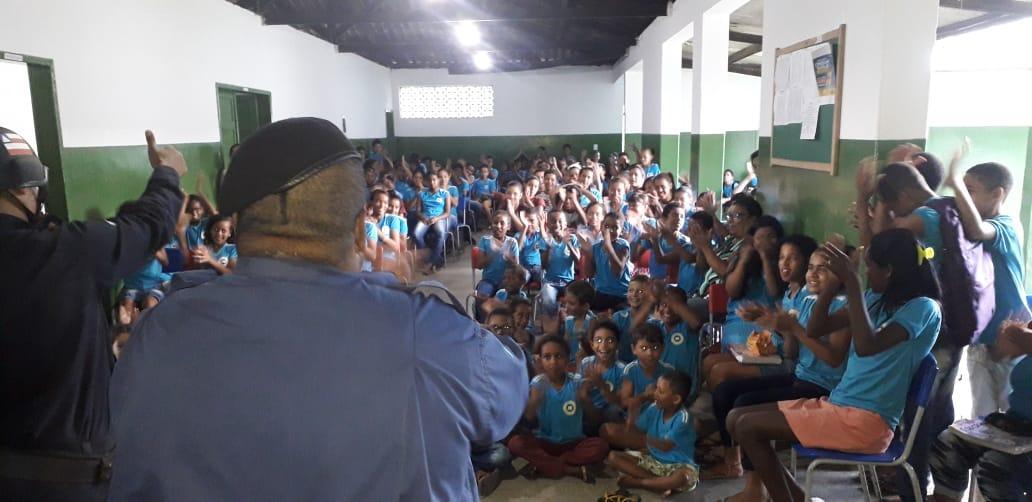 Camacan: GCM  realiza palestra de conscientização contra o bullying na escola Rui Barbosa em Jacareci