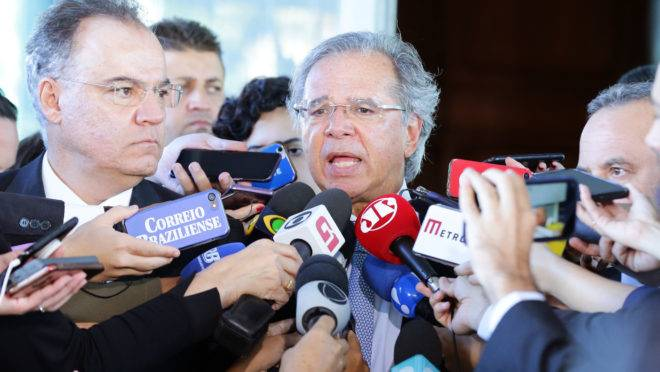Guedes diz que renuncia se 'reforminha' for aprovada: 'Pego avião e vou morar lá fora'