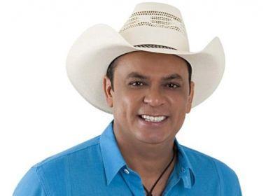 Após proibição da Justiça, Frank Aguiar obtém liminar para fazer shows
