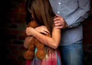 abuso sexual infantil mae e sempre responsabilizada quando o filho sofre violencia 1540244499110 v2 1214x864 e1560337078877 300x213 - Professor é condenado a 40 anos de prisão por estuprar alunas de 12 e 14 anos - o tempo jornalismo
