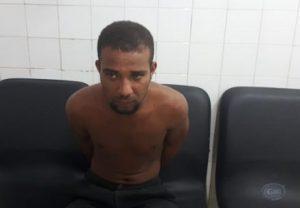 acusado e1560242602735 300x208 - Ipiaú: Homem é morto com golpes de facão; foi suspeito foi preso - o tempo jornalismo