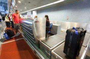 imagem materia e1560855441321 300x198 - Bolsonaro veta bagagem gratuita em voos domésticos - o tempo jornalismo