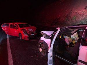 whatsapp image 2019 06 08 at 12.35.28 1  300x225 - Carros batem de frente e quatro pessoas ficam feridas na BR-101 - o tempo jornalismo