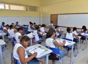 IMAGEM NOTICIA 5 8 300x221 - Vereadora quer acabar com obrigatoriedade de alunos em eventos religiosos no ensino público - o tempo jornalismo