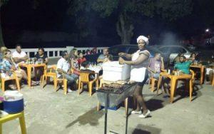 jn 300x188 - Sem atuar após saída do programa Mais Médica, médica vende churrasco na Bahia - o tempo jornalismo