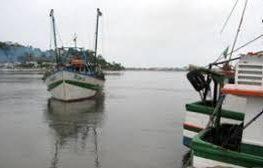 Barco pesqueiro desaparece no mar de Ilhéus