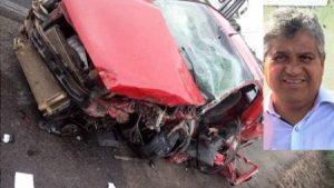 carroexprefeito e1565686177238 1 300x169 - Ex-prefeito de Ipirá e motorista de caminhão morrem em acidente na BA-052 - o tempo jornalismo